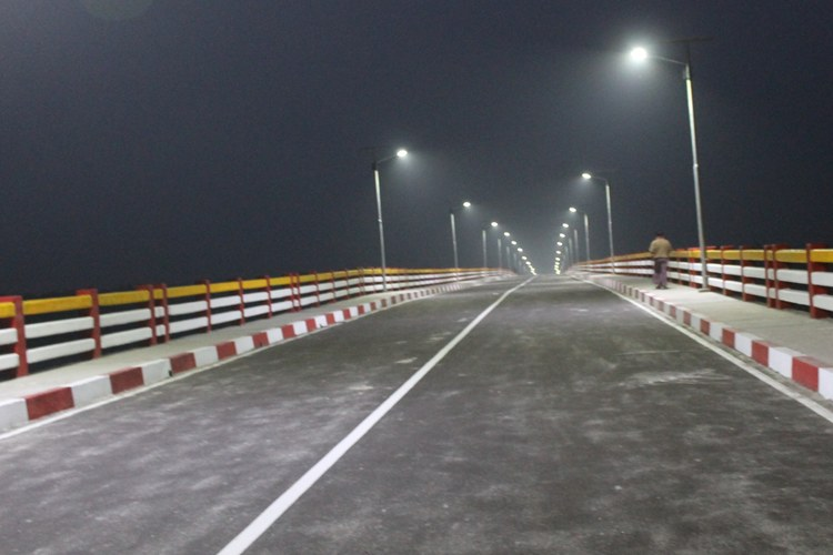 NIGHT VIEW OF 892M SHEIKH KAMAL SETU AT KEPUPARA, PATUAKHALI(CONTRACT AMOUNT 65.00 CRORE)_750x500
